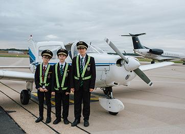 bee-future-aviators-volunteer